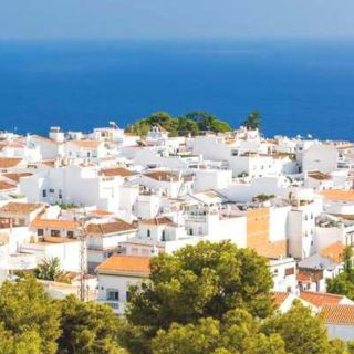 The best transportation service for your removals in Nerja