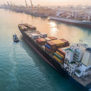 Mudanzas marítimas seguras desde Málaga con Hakotrans