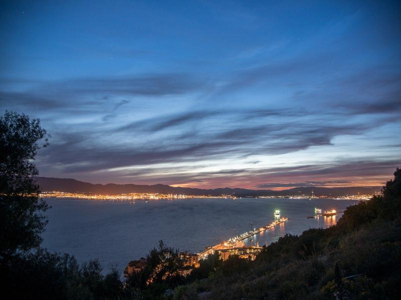 Mudanzas desde Algeciras o hacia Algeciras con Hakotrans.